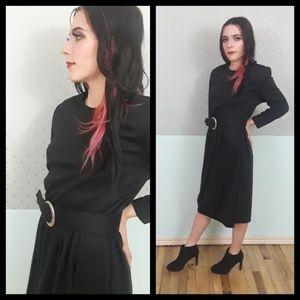 Classy vtg 80s black dress with matching belt!